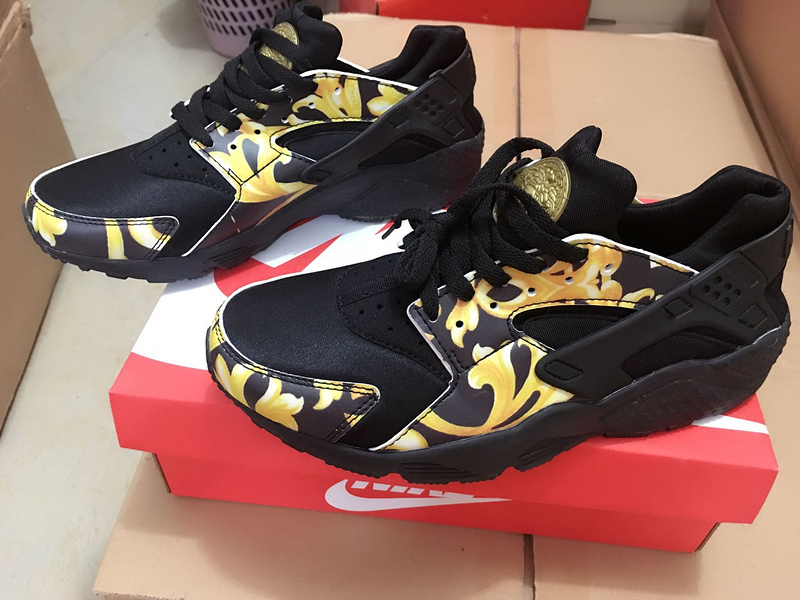 nike air huarache run women trainers BLACK